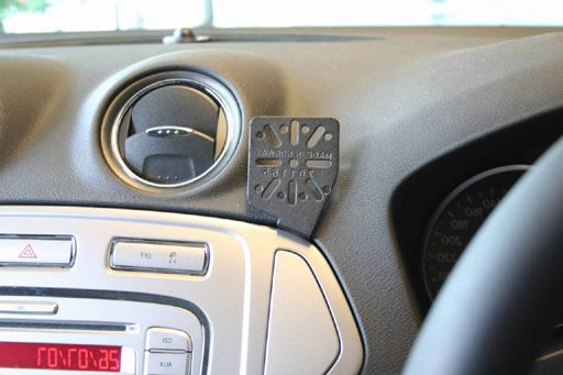 Dashmount Ford Mondeo Vent