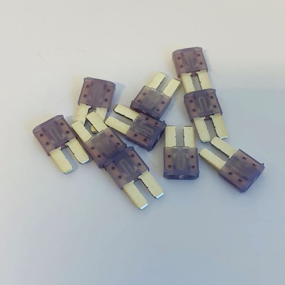 Micro 2 Blade Fuse 3 Amp  Pack Of 10   Fb2m 3