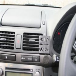 Dashmount Toyota Avensis Vnt