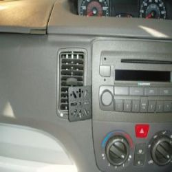 Dashmount Fiat Idea '04