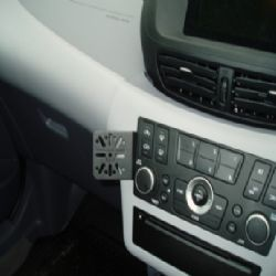Dashmount Nissan Tino '04