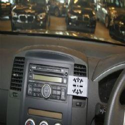 Dashmount 711256 Nissan Navara & King Cab