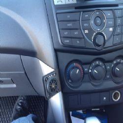 Dashmount Mazda Bt50 2012>