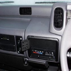 Dashmount 71367 Nissan Kingcab 2000-2007