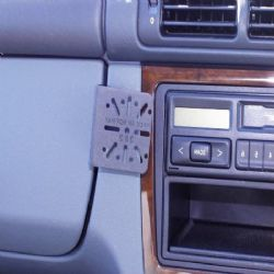 Dashmount Mercedes M Class Cons