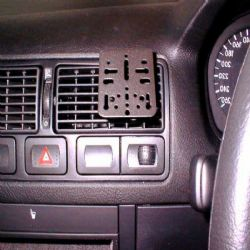 Dashmount VW Golf MKiv Vnt