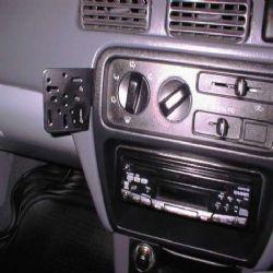 Dashmount 71572 Toyota Starlet 1996>