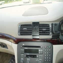 Dashmount Volvo S80 >June 2006